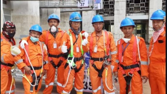 pekerja poles marmer jakarta